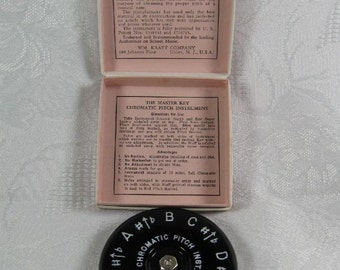 Vintage Kratt Master Key 13 Keys Chromatic Pitch Tuner A-440 MK-1 Scale F to F Original Box Singing or Musical Instrument