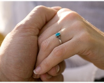 Dainty turquoise ring: Turquoise engagement ring - Hammered ring - Turquoise jewelry - Promise ring blue - December birthstone ring