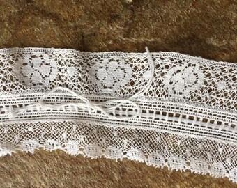 Antique Victorian Lace Collar Handmade - cream cotton