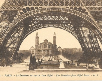 Paris, France, Le Palais du Trocadero vu sous La Tour Eiffel,  Antique Circa 1915 Unused Postcard