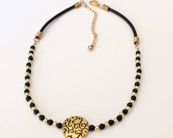 Black Gold Necklace Beaded Choker Necklace Black Gold Statement Necklace Focal Bead Necklace Black Necklace Minimalist Beaded Short Necklace