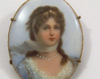 Antique Victorian painted porcelain portrait brooch of Queen Louise of Prussia