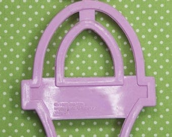 1993 Collectable Wilton Easter Basket Plastic Cookie Cutter Taiwan