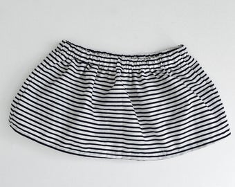 White skirt in Navy blue stripe