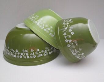 Vintage Complete Set Of Spring Blossom Pyrex Mixing Bowls/Crazy Daisy Bowls/Vintage Pyrex Mixing Bowls