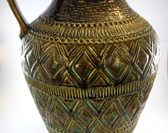 Vintage Bay Ceramic Vase