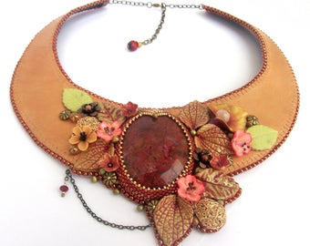 Leather embroidered flowery necklace, light brown Leather embroidered choker