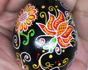 Chicken Egg Pisanky (Ukrainian Batik Dye Decorated Egg) 2017-C4