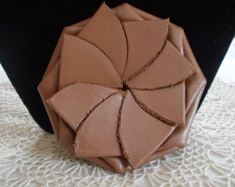 COIN PURSE Handmade Genuine Leather..Old Vintage Style..Round..Pinch..Petal..Squeeze or Pull to Open