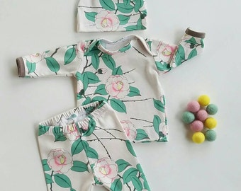 Baby girl coming home outfit / hospital outfit / take home outfit first outfit / tintinbaby /