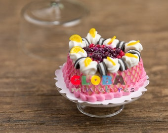 Dollhouse Miniatures Strawberry Oreo Cream Cake