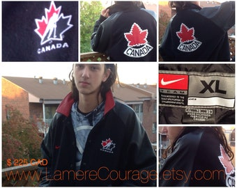 Vintage Official NIKE Hockey Team CANADABomber Jacket Size XL/Red Black/Wool Leather