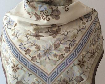 Vintage foulard Loredano with flowers.