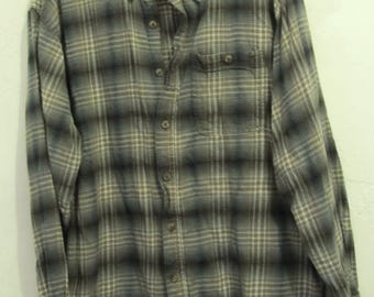 A Men's Vintage 90's,Thin Plaid FLANNEL Urban Style Shirt By OLD MILL.xl