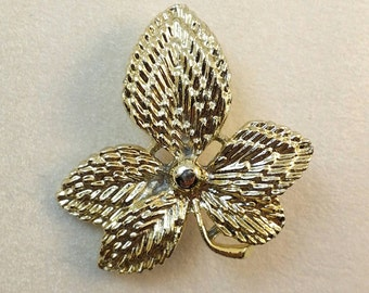 Vintage Textured Gold Flower Brooch Pin