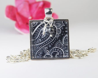 Black and White Paisley Square Pendant Necklace with Pearl and Crystal