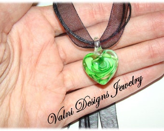 1 Heart Lampwork pendant, Flower, Heart, Green, 20mm, Lampwork, Jewelry Supplies, Translucent, Valni Designs Supplies