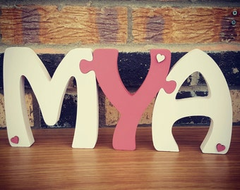 Freestanding jigsaw name (3 letters)