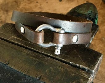 Men's Bracelet, leather bracelet with shackle bolt, men's gift, Shackle bolt gift, shackle bolt bracelet