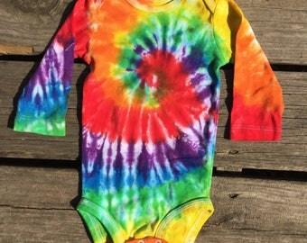 Tie dye onesie, 6M tie dye baby onesie (130)