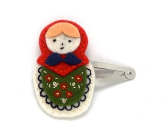 Wool Felt Matryoshka Doll Hair Clip Red Green And Cream, Christmas Hair Clip, Holiday Hair Clip, Christmas Hair Bow, Toddler Hair Clip