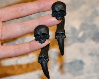 Skull jewelry - Skull Earrings - ear Gauges skull - Fake ear gauges - Black skull - Gauge - Skull jewelry - Ear Plugs - Cyber goth earrings
