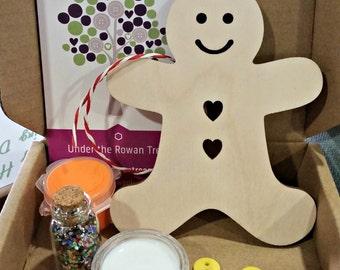 Gingerbread Man Kit, Children's craft kit, kids activity kit, Christmas craft, stocking filler, secret santa, Christmas eve, glitter, sequin