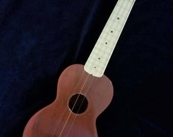 1950s Maccaferri Mastro T.V. Pal Uke Vintage Plastic Ukulele Made In USA