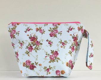 Vintage Roses Pink Zip Project Bag with Handle for Knitters / Crafters Travels