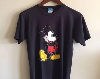 Vintage Disney Mickey Mouse T-Shirt. 1980's Disney Mickey Mouse. Black T Shirt.