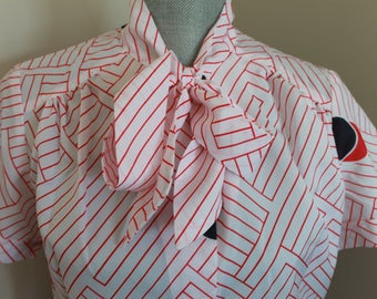 Vintage Ladies Blouse - White and Red and Blue Blouse - Bow Tie Blouse - Young Fashion Club Shirt - Free Shipping in Canada and the USA