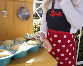 Minnie Mouse Apron and/or Headwrap - Reversible