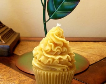 100% pure beeswax cupcake candle