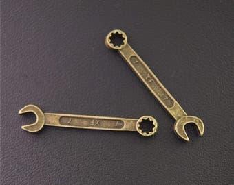 30pcs Antique Bronze Spanner Handmade Charms Pendant A2159