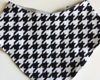 Bibs for boy and girl