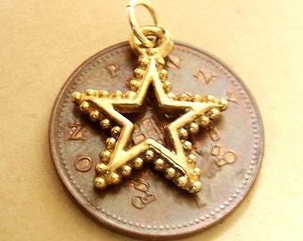 9ct Gold STAR Christmas Charm