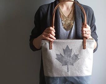 Canadian Maple Leaf Shoulder Bag - tote