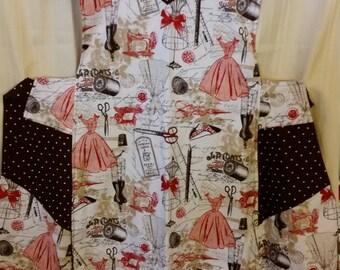 Ladies Reversible Apron / Retro Sewing Print