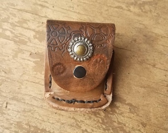 Little steampunk compass holder with compass