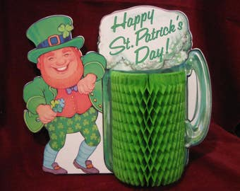 Free Shipping! Amscan LEPRECHAUN GREEN BEER Honeycomb St Patricks Day Irish Table Decoration Shamrock Tissue Centerpiece Vintage 1970s  794