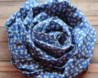 Buds of May camera scarf strap