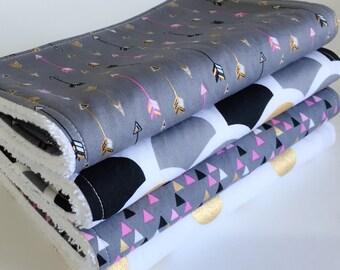 Baby Burp Cloths Set, Baby Shower Gift, New Mum gift, Geometric, Arrow burp cloth, Girl burp cloth, Nappy bag, Metallic burp cloth