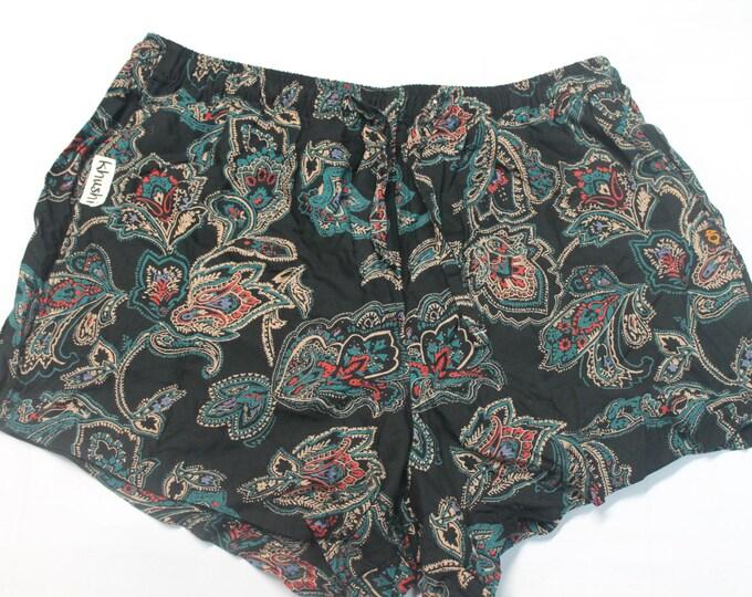 Ladies Khushi Shorts - Black Paisley