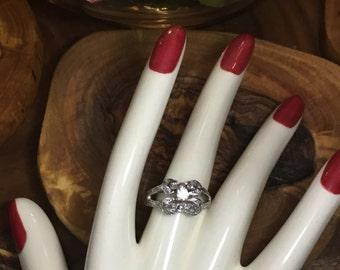 Art Nouveau white gold diamond ring