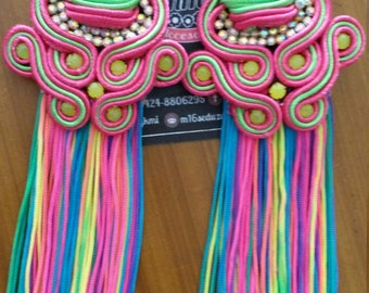 Long earrings with colorful fringes