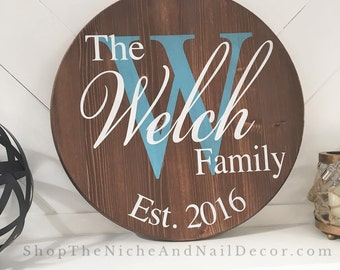 Circle Family Sign, Family Sign, Personalized Decor, Wedding Gift, Wedding Shower, Anniversary Gift, Rustic Home Decor, Wooden Signs