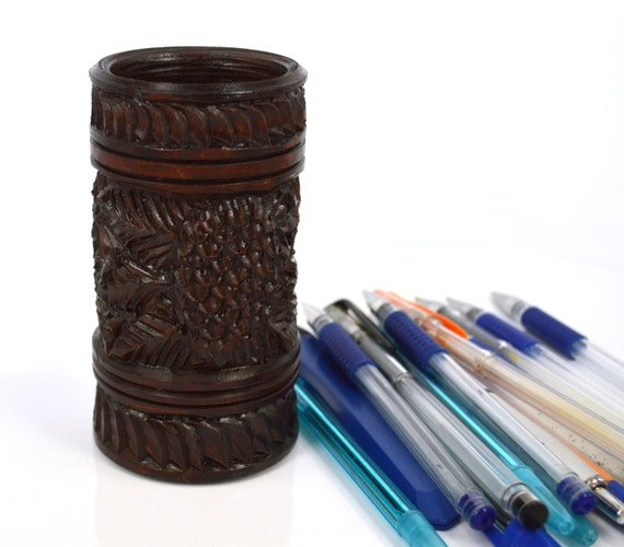 Wood carving wooden pencil and pen holder stand