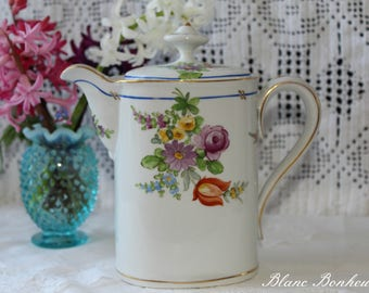Saxe, Germany: Teapot with hand painted flowers