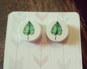 Handmade wooden leaf stud earrings 15mm
