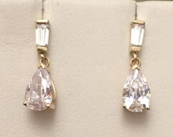 SALE*** Stunning sparkling vintage 14ct gold drop earrings
